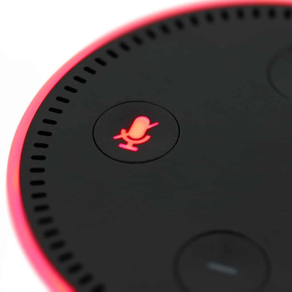 Du erzählst Alexa so einiges? Achtung: Tausende Amazon Mitarbeiter hören mit!