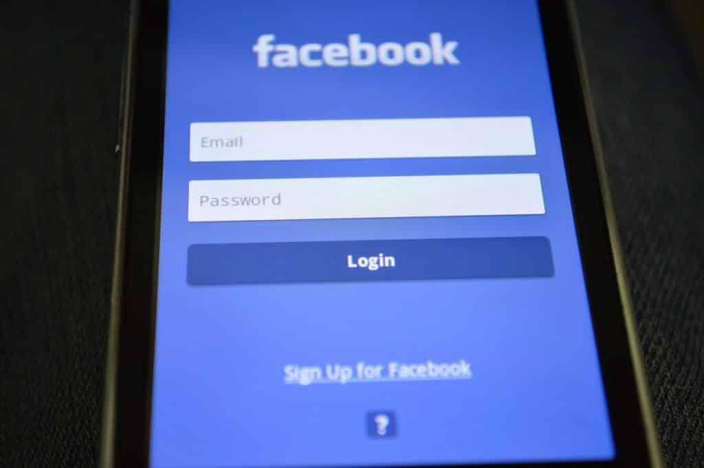 Mehr Sicherheit & Datenschutz: Neue Open Source-Lösung für den Login bei Facebook & Co