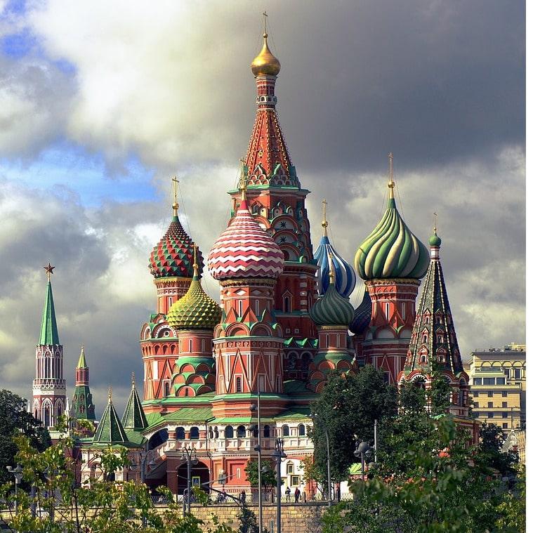 Die Russen verweisen Facebook und Twitter in die Schranken