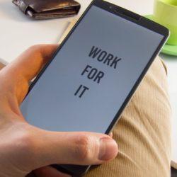 Du willst dein Smartphone und deine Apps vor fremden Zugriffen schützen? Ein paar Features machen es möglich! 1