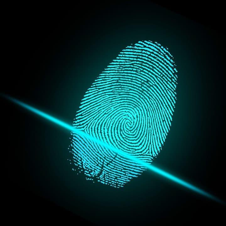 Das Biometrische Zeitalter: Fingerabdrücke in europäischen Personalausweisen sollen für mehr Sicherheit sorgen