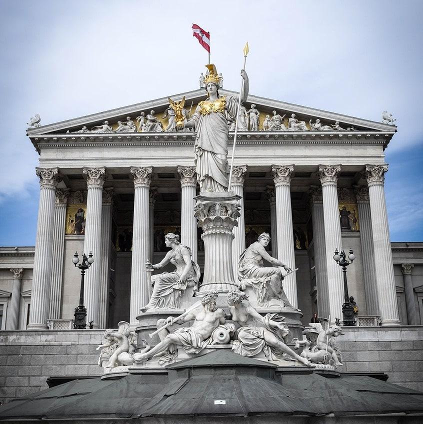 Digitalsteuer in Österreich: Die totale Überwachung im Internet per Gesetz und warum es dich auch als Nicht-Österreicher betrifft